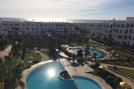 Duplex Marina Beach vue sur mer et piscines clim
