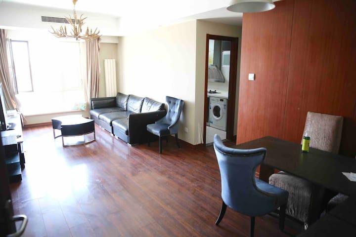 顺义国展国际区100平米新精装两居大床公寓 中粮祥云小镇附近 距机场15分钟