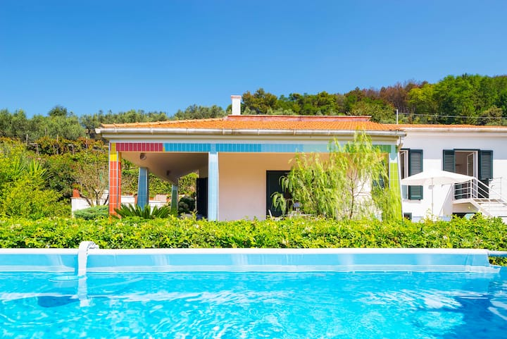 Villa Corinna. Lovely retreat with pool and garden