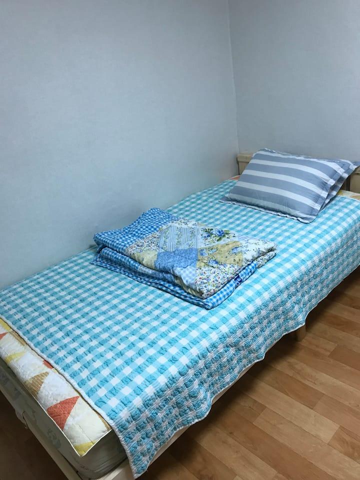 102호 코로나방역 시대   완벽한  개인실, 개인욕실 (주방은공동)백종원의   미로시장