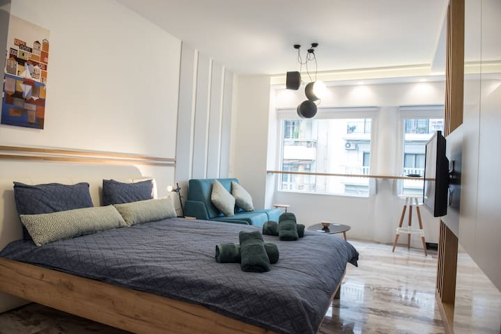 Leiland #colony_Loft_White_Tower
