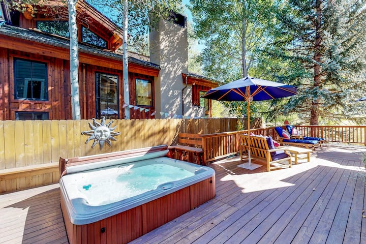 New listing! Creekside home w/ hot tub, deck & mountain view - 1 mile to lifts