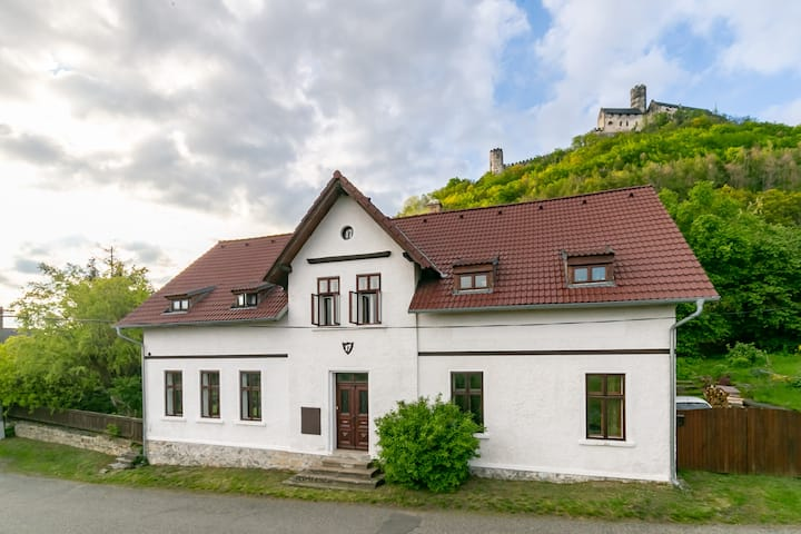 Family weekend house by the castle - Apartment B