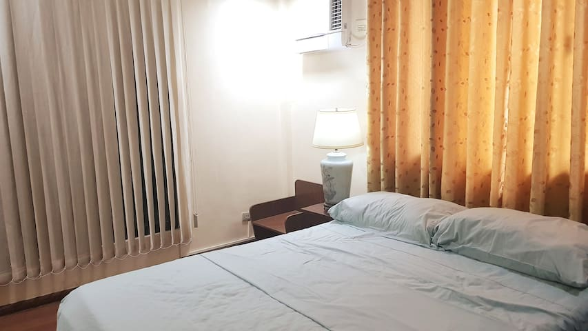 ★ Cozy 1BR in Shared House w/ Unli Wifi TV Netflix