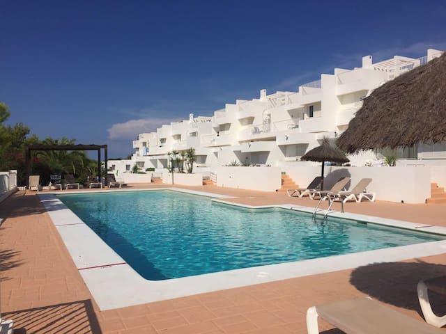 Apartamento con piscina en Cala Codolar(Ibiza)