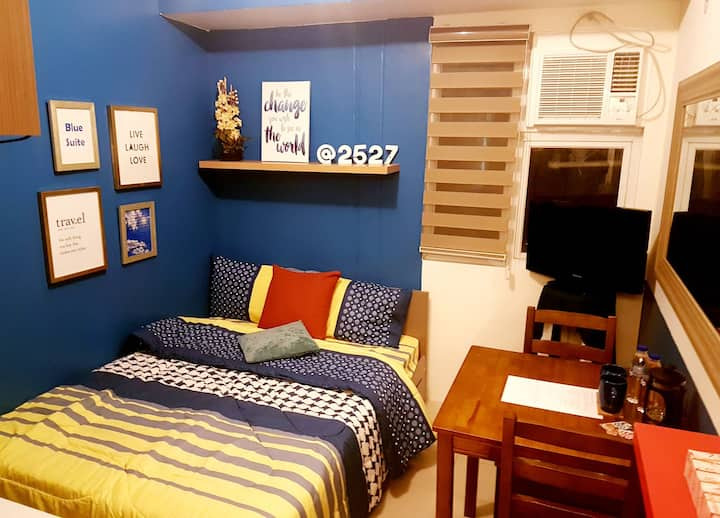 The Blue Suite w/WIFI & SmartTV and Ref, microwave