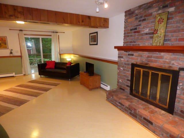 West Woods Studio ~ comfort/study/rest - Hamden - Haus