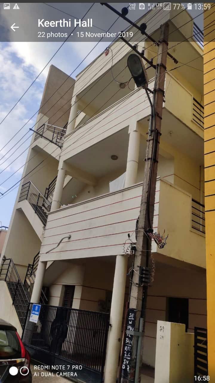 Keerthi Home Stay - Bangalore