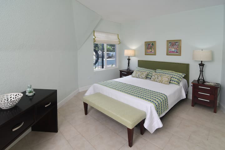 Dome 1- Bedroom 4 with queen size bed.