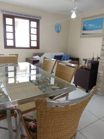 Casa em Condomínio Próximo a Praia