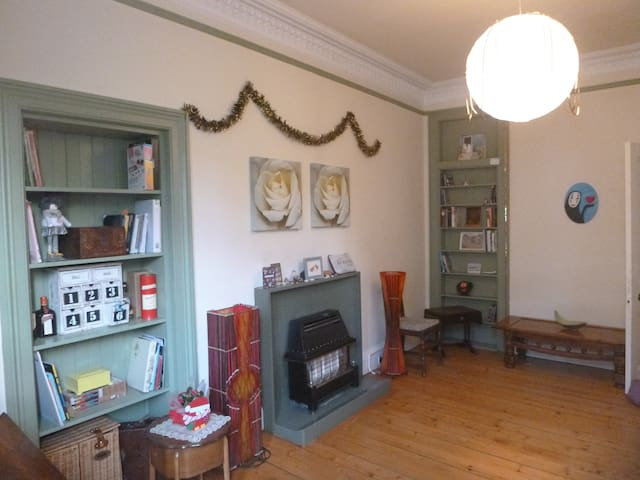 Spacious vintage flat with a great view