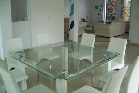 casa en colonia cuauhtemoc - Гвадалахара