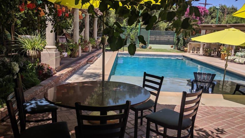 LA paradise suite