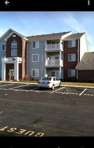 Luxury condo Southport area - Indianapolis - Apartament