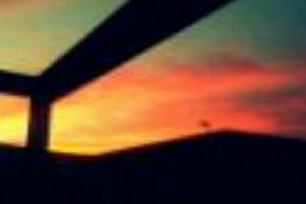 Terraza delantera para tomar el sol y ver los atardeceres y estrellas