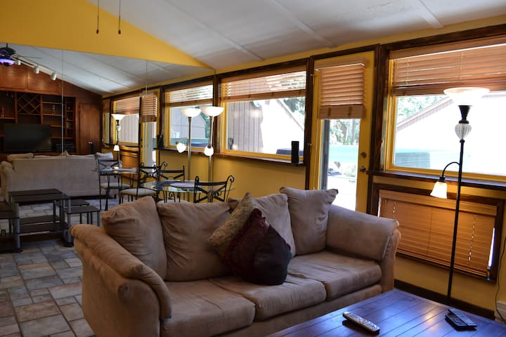 Affordable East Vail Studio #5X on the free Shuttle Route. - PCP5X
