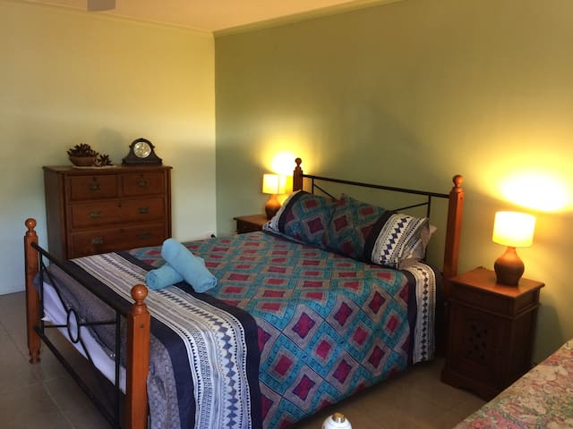 Relax and unwind at Spring Hill 2 kms to town - Maleny - Apartment
