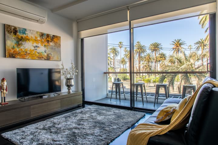 Luxury Beachside 1 BR Apt in the Heart of St Kilda