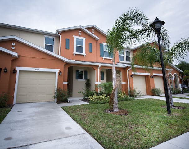 Great home for rent in Kissimmee! - Kissimmee - Townhouse
