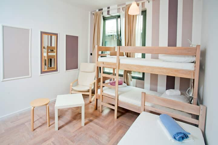 5-bed female dormitory room