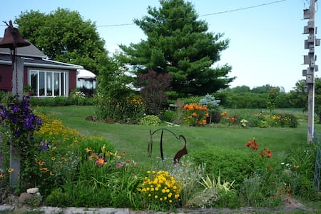 Casara Road Farm 2 bedrooms near Madison and Epic.