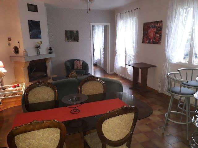 Maison Béarnaise confortable cadre agréable