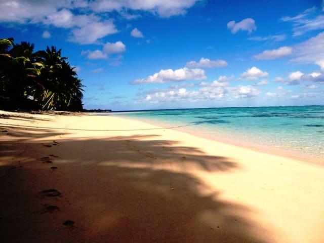 Vaima Villa - best beach right on your door step!
