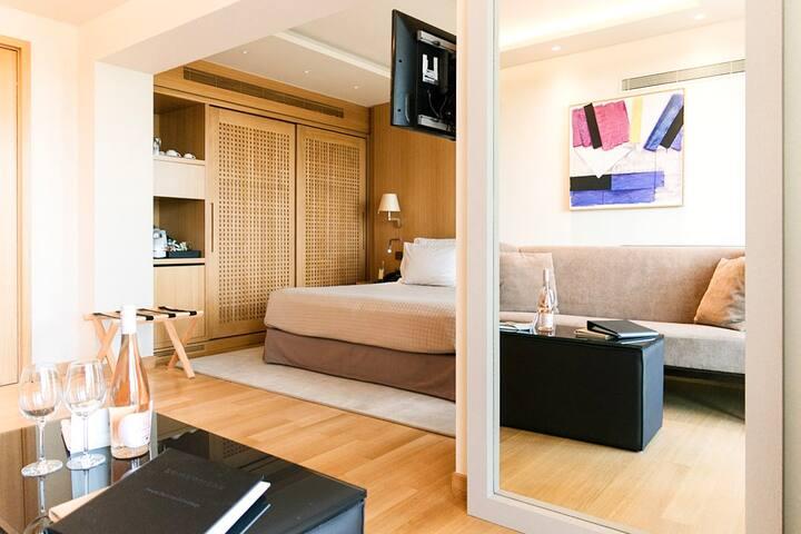 Deluxe Riviera Suite