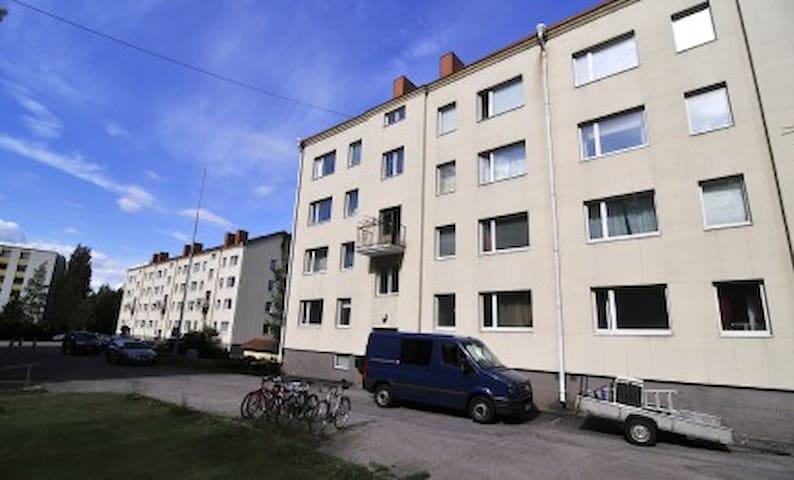 Studio apartment in Lähdepuisto, Vantaa - Lähdepuistontie 17