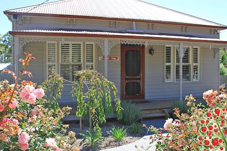 Apple Tree Cottage, Woodend / Macedon Ranges - Woodend - 一軒家