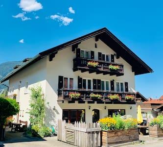 Wohnung WAXENSTEIN: Ferien am Fuß der Zugspitze