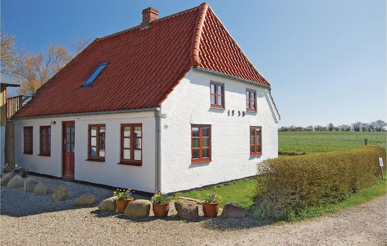 Holiday cottage with 2 bedrooms on 90m² in Sydals