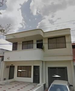 Apartamento en reconocida zona recidencial.