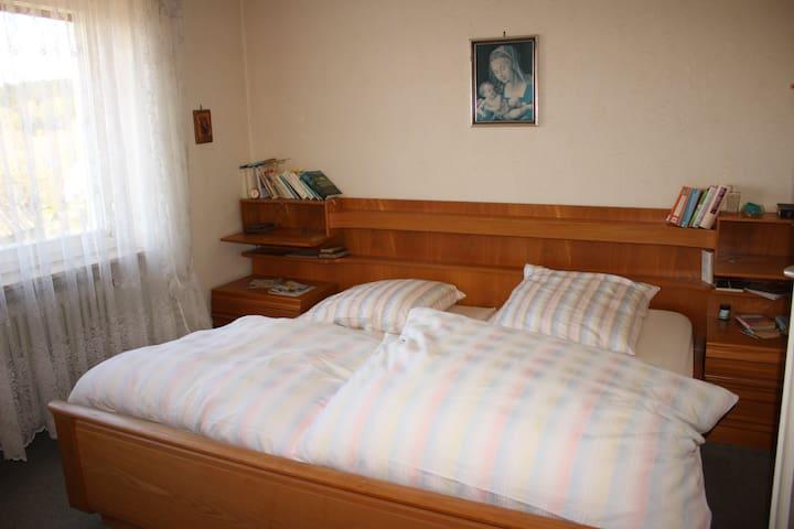 Ferienwohnung Rosa (Stammbach), Ferienwohnung mit Badewanne