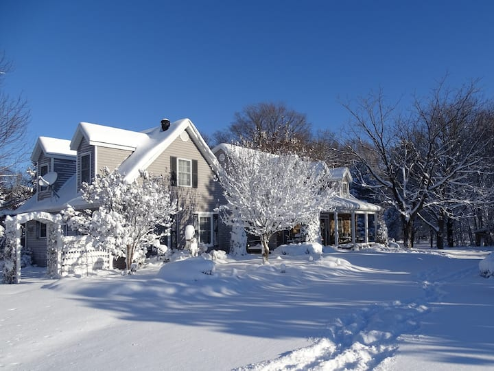 Bluebird Meadows B&B -10 min. to Midland Sleeps 8