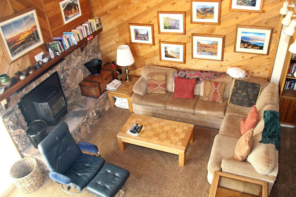 Mammoth Condo Rental Snowflower 53 - Living Room View From The Loft