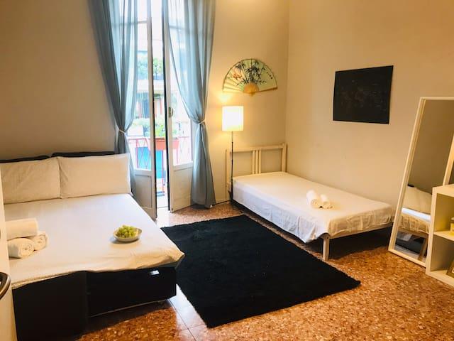 BLU- Bella camera vicino Stazione centrale e Duomo