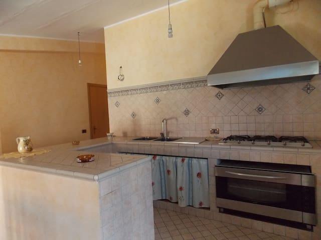 Accogliente mansarda - Brolo - Appartement