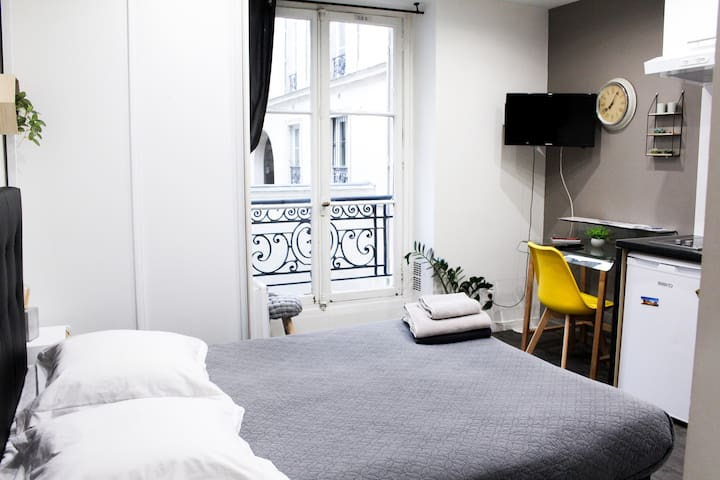 Fully equipped studio in the heart of Paris !