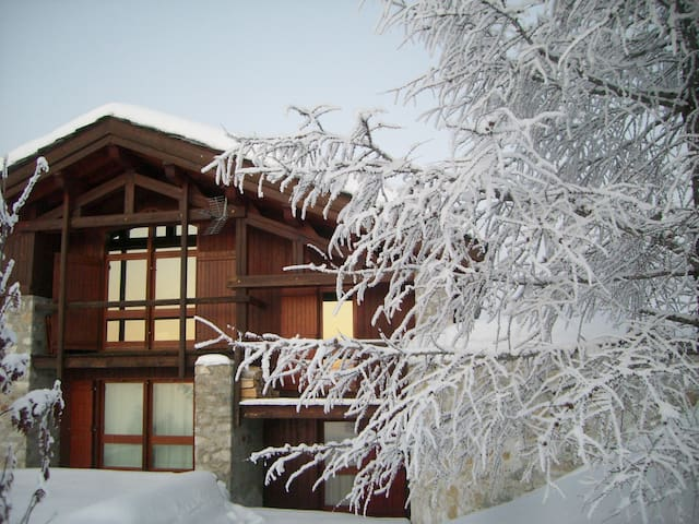 Chalet****ski aux pieds, domaine Paradiski