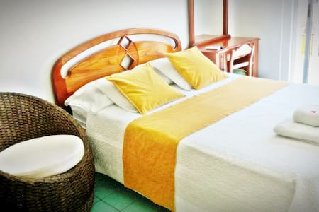 Hostal del Pacifico - Matrimonial Room - 阿约拉港 - 精品酒店