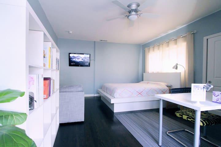 Comfy LA LA LAND Home w/ Private Entrance & Bath!