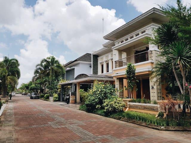 Bale Agung Residence (2 min from Ringroad Utara)
