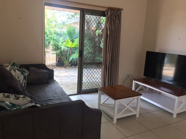 Cute Yeppoon Unit, Entire Home, Walk to 2 Beaches
