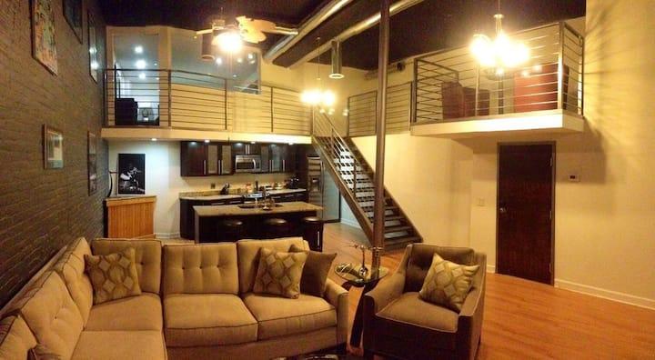 Private Loft, 2nd Avenue DOWNTOWN