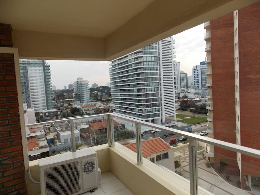 Vista del balcón del apartamento