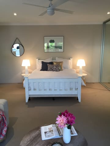 Comfy studio apartment in Cottesloe