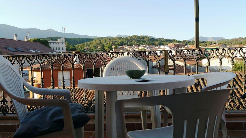 Ático en Arenas de San Pedro con vistas a Gredos - Arenas de San Pedro - Appartement