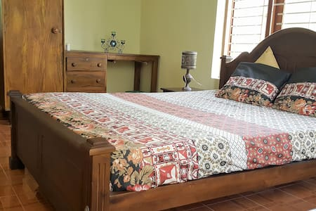 9A Eco Friendly Bungalow - Spacious Private Rooms - Wattala