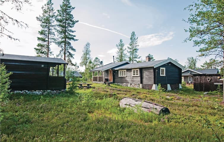 Holiday cottage with 3 bedrooms on 65m² in Jordet